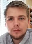 Julien, 25  , Paris