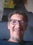 Franck , 47  , Morlaix