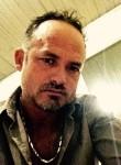 roberto, 43  , Telemaco Borba