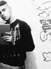 Giovanni, 20, Italy, Taglio