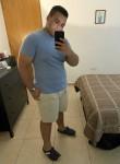 Santiago , 21  , Humacao