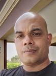 Bivin, 40, Sharjah