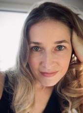 Alice, 31, Brazil, Blumenau