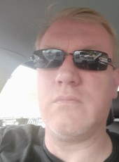 Vladimir, 45, Russia, Taganrog