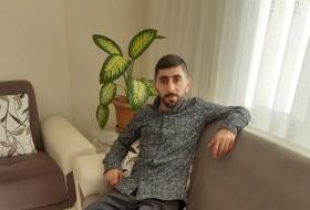 Salih, 28 - Just Me