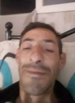 Aziz , 46  , Saint-Denis