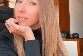 Alena, 35 - Just Me