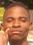 Celestino Stefan, 20, Luanda