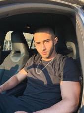 Karim , 23, France, Clermont-Ferrand