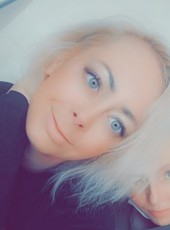 Anyuta, 32, Russia, Saint Petersburg