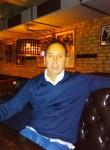 Roberto, 46  , Catania