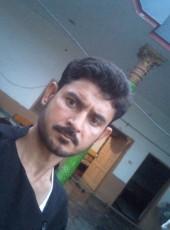 Tariq Chitrali, 18, Pakistan, Rawalpindi