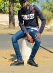 Sàlîøù Gùéÿé, 22  , Dakar