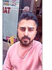yaman, 21, Turkey, Istanbul