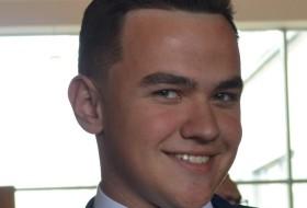 Bogdan, 20 - Just Me