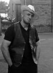 Andrew, 33  , Sandrigo