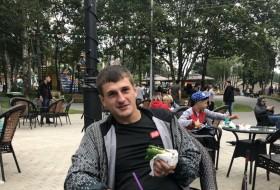 Yan Mudrenko, 26 - Just Me