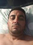 Abdelkarim, 40  , Arles
