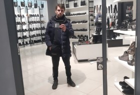 Roman, 35 - Just Me