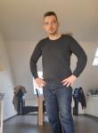 Stefano , 39  , La Louviere