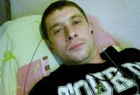 Leonid, 29 - Just Me