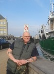 Donald , 56  , Saint-Denis