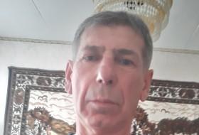 Ilya, 60 - Just Me