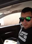 Nadir, 31  , Tunis