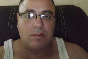 majde, 44 - Just Me