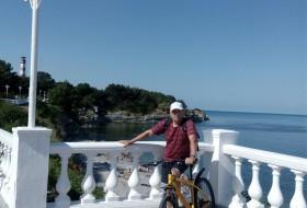 Aleksandr, 64 - Just Me