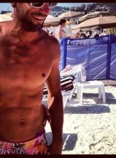 Toma , 38, France, Marseille