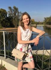 Yulenka, 33, Russia, Moscow