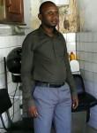 Adoum, 38  , N Djamena