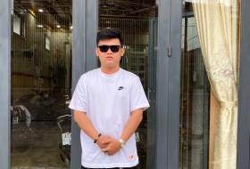 Phan Sang, 23 - Just Me