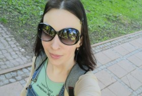 Anna, 36 - Just Me