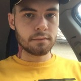 Miroslav, 25  , Boende