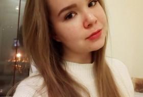 Viktoriya, 19 - Just Me