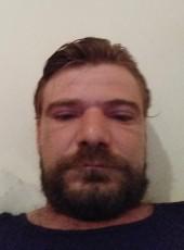 Monos, 32, France, Meyzieu