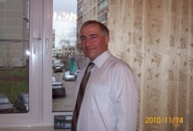 Viktor, 58 - Just Me