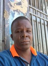 senatus22, 48, Haiti, Petionville
