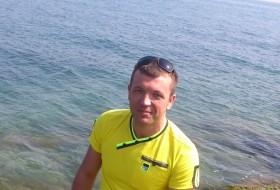 Dmitriy, 39 - Just Me