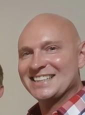Thomas, 40, Australia, Sydney