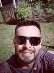 Carlos, 18, Curitiba
