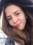Miya, 24, Paris
