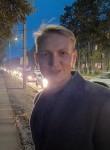 Aleksandr, 22, Pskov