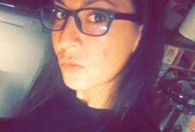 livia, 37 - Just Me