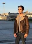 Hugo, 20  , Maisons-Alfort