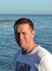 Chris, 38, France, Le Mans