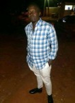Lovett, 25  , Yaounde