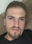 Xhonii, 28  , Tirana